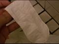 0010_konbinitoire_napukin_013 【生理】トイレの汚物入れから使用済みナプキンを漁ります。
