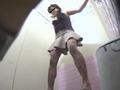 0090_marumiejyoshitoire3_008 【おしっこ】女の子の和式トイレのおしっこ姿は美しいです。